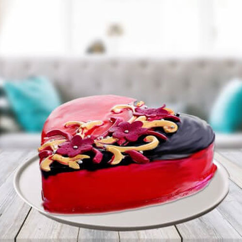 choco_strawberry_heart_shape_cake_1