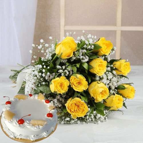 10-Yellow-Roses-and-1-2-KG-Pineapple