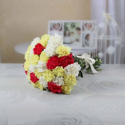 Bunch-of-30-Mixed-Carnations
