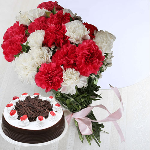 10-white-red-carnations-and-1-2-kg-black-forest